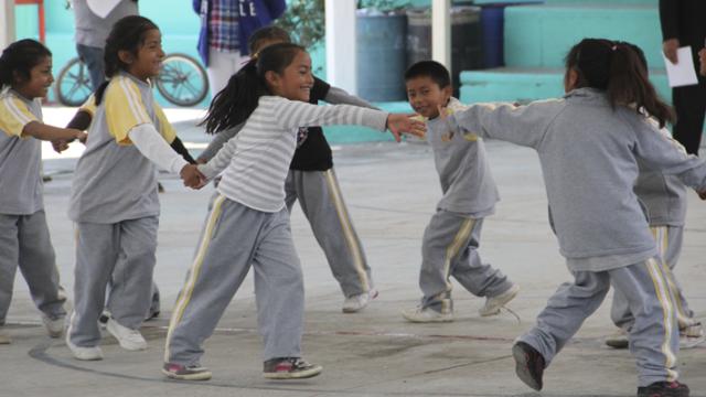 Los programas sociales en México protegen los derechos de los niños y niñas