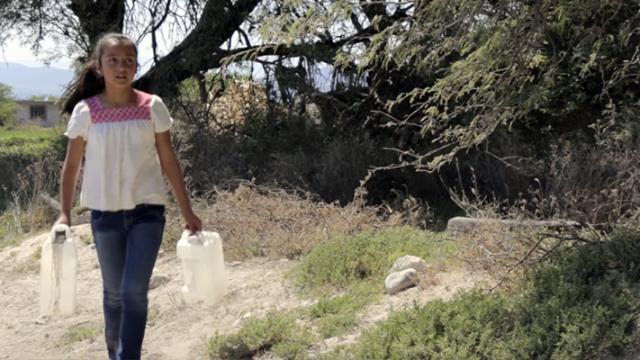 Apadrinar a un niño evita la violencia infantil en México